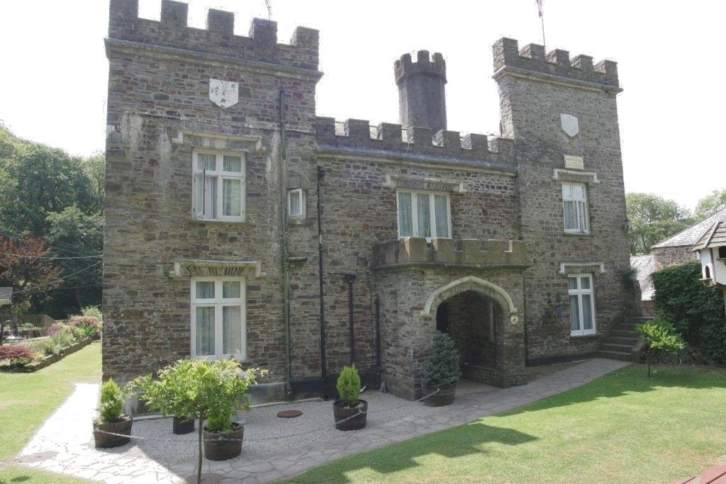 Freehold Holiday Letting Business including 3 Bedroom Accommodation – Torrington, Devon