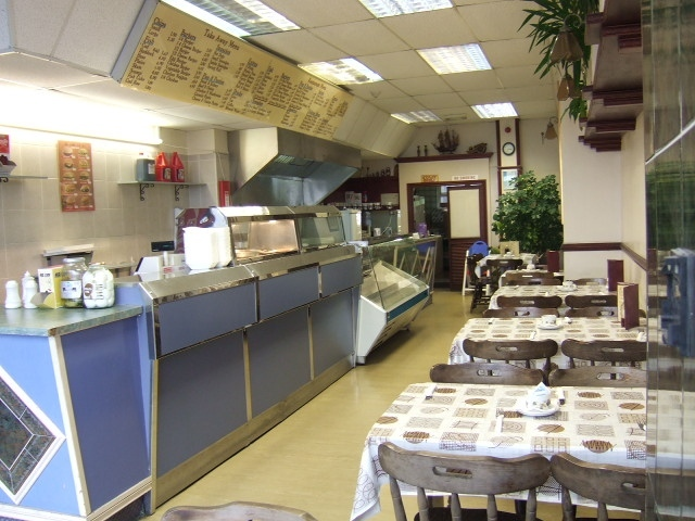 LARGE FISH & CHIP SHOP & RESTAURANT – Busy Road Coastal East Sussex